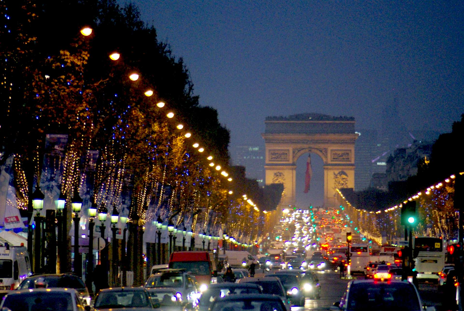 Monumental Paris Champs Elysées Christmas © French Moments