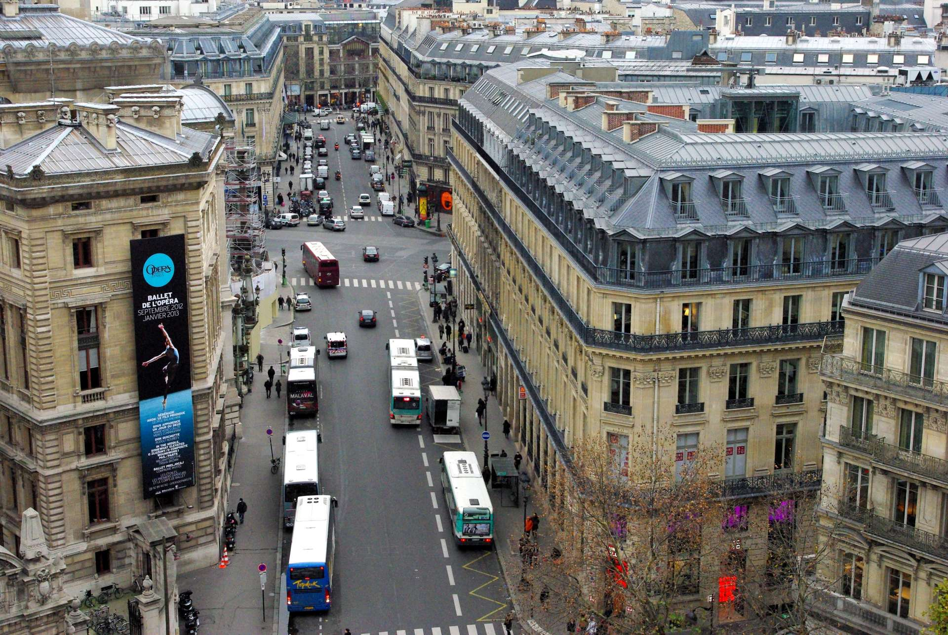 Haussmann's Paris Galeries Lafayette © French Moments