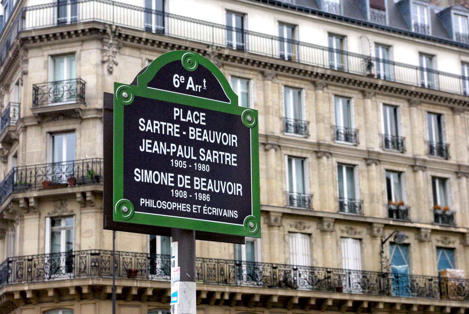 Place Sartre-Beauvoir copyright French Moments