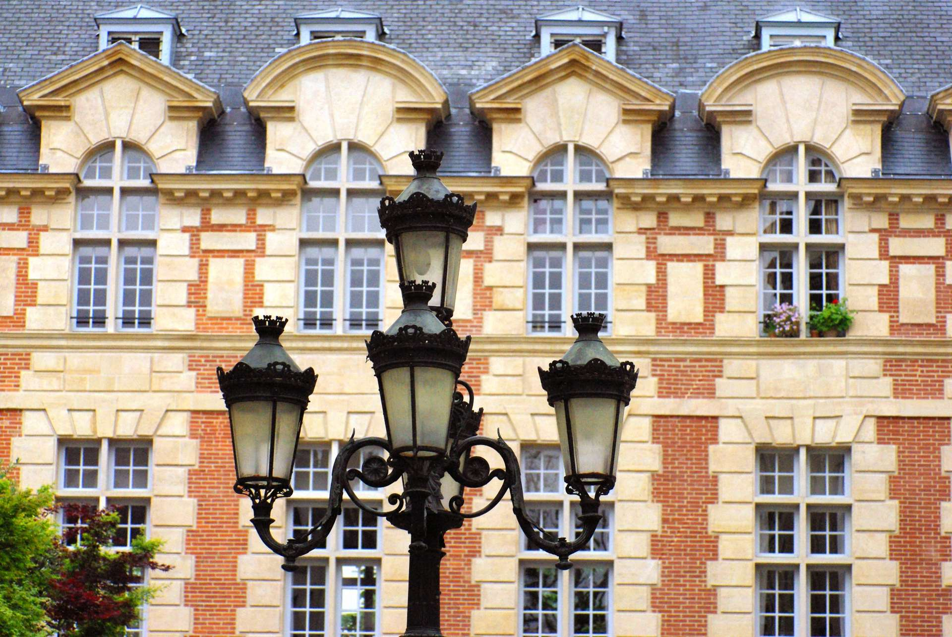 Place de Furstemberg copyright French Moments