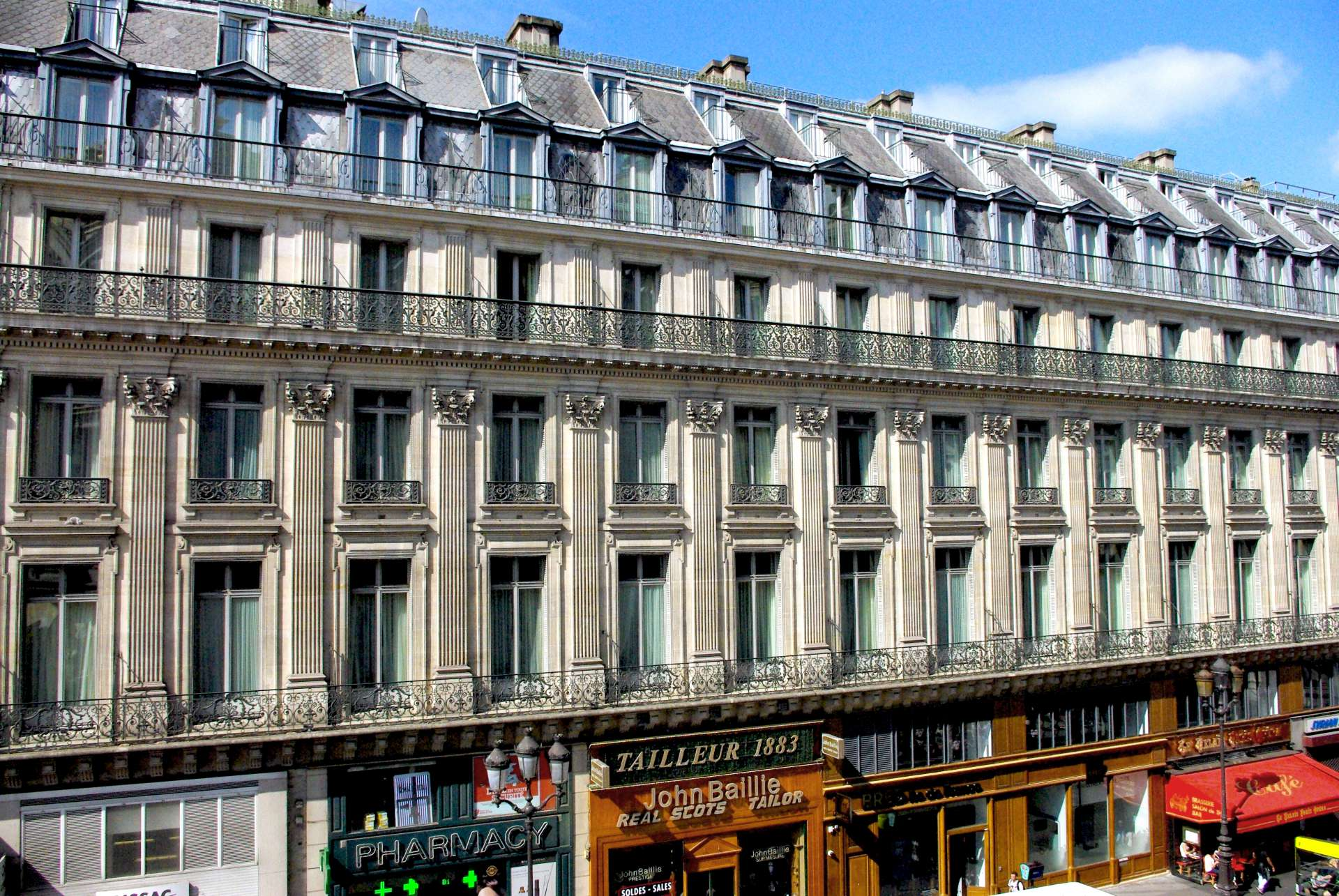 Haussmann's Paris Rue Auber © French Moments