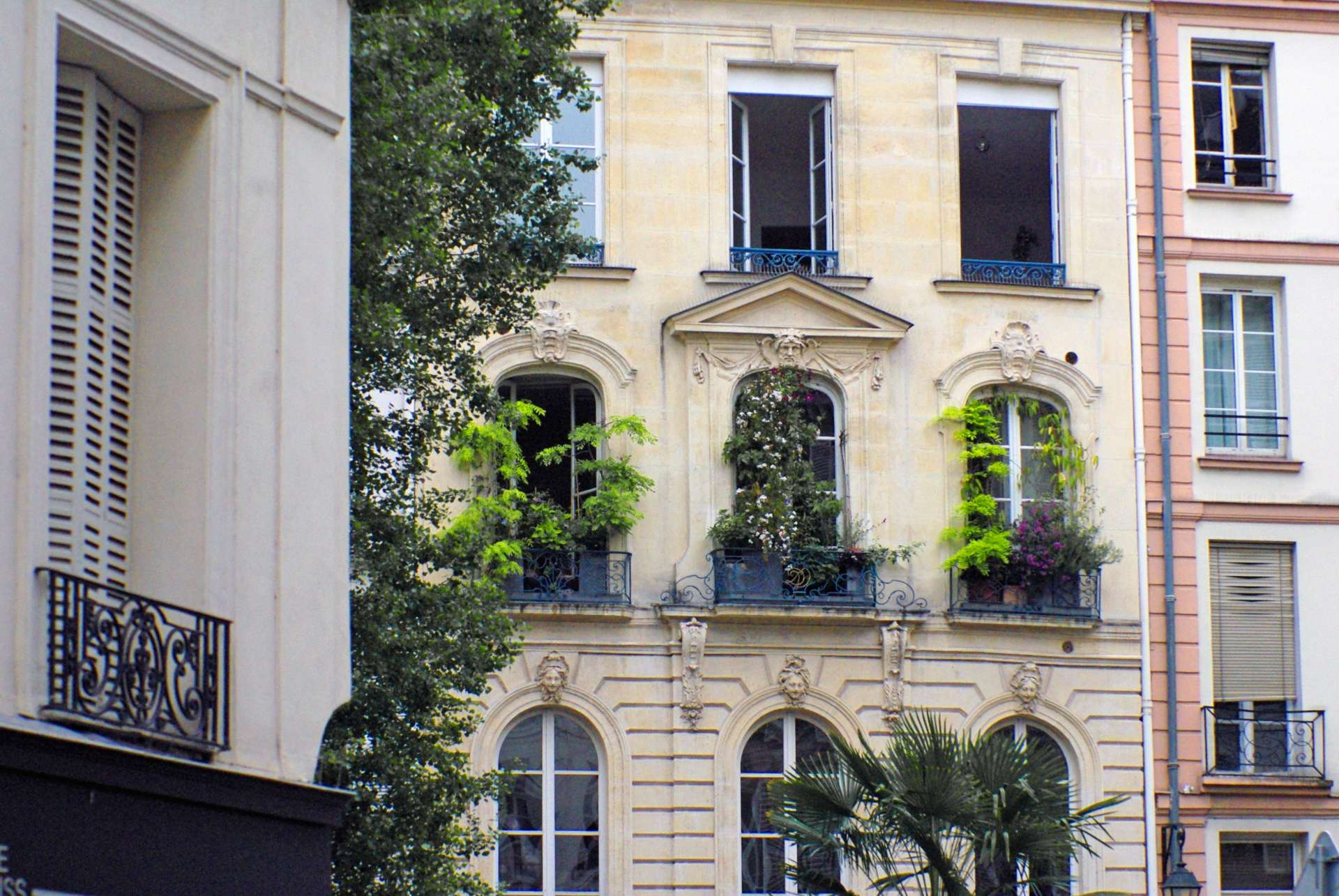 Townhouse in Saint-Germain des Prés copyright French Moments