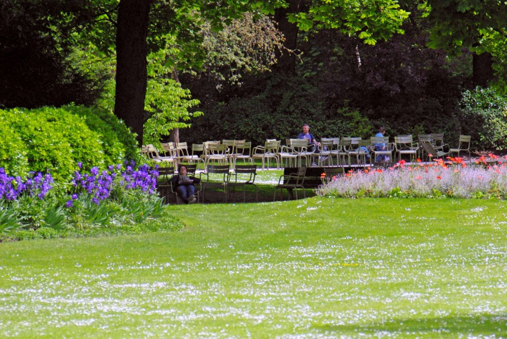Luxembourg Garden in May © French Moments