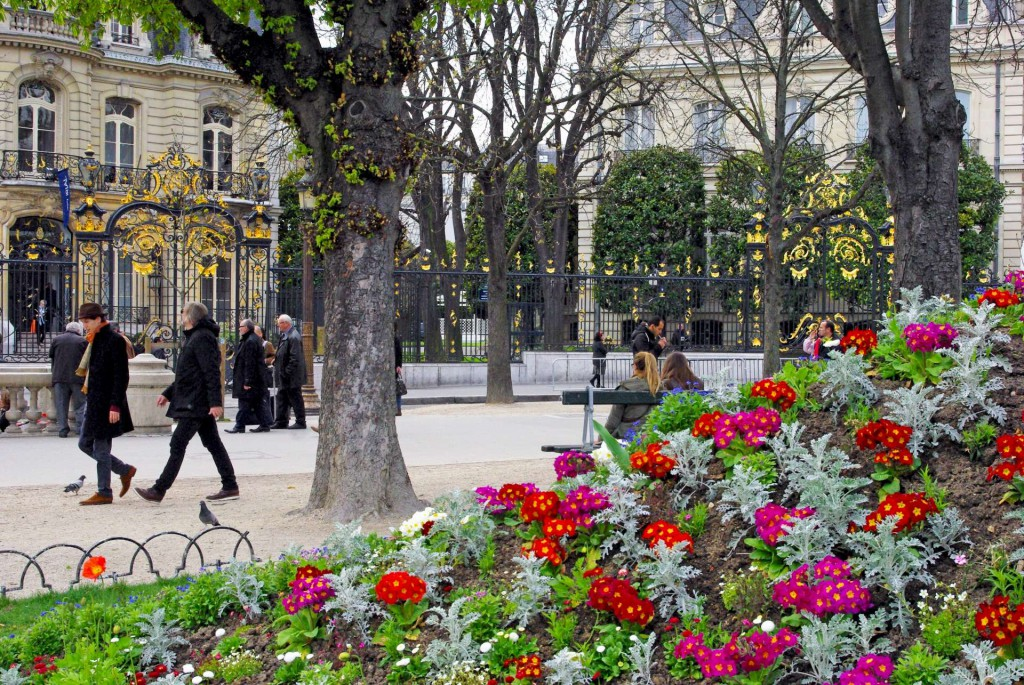 Rond-Point des Champs-Elysées Spring © French Moments